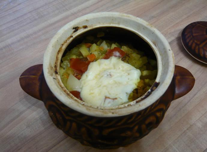 Запеченные в глиняных горшочках кабачки получаются невероятно вкусными