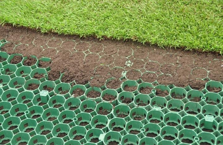 Газонная пластиковая решётка увеличивает несущую способность грунта в несколько раз