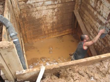 Септики и выгребные ямы могут серьезно пострадать от грунтовых вод в сезон