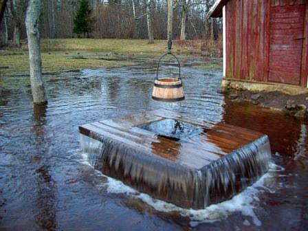 Хороший колодец может быть запросто засорен и испорчен грунтовыми водами вредного характера