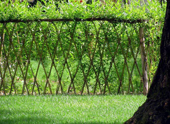 Забор из ивы... что может быть проще