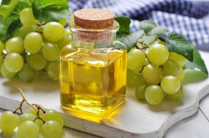 Масло виноградных косточек активно применяется в косметологии