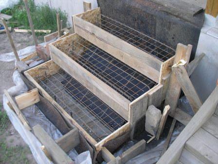 Следует правильно определить материал для сооружения крыльца и его отделки
