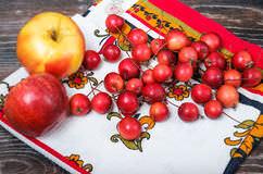 «Китайка» или «райка» – необыкновенно красивые, вкусные и декоративные крошечные яблочки
