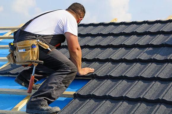 Выбираем отделочные материалы для крыши дачного дома!