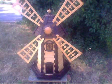 Можно ли построить декоративную ветряную мельницу на даче своими руками?