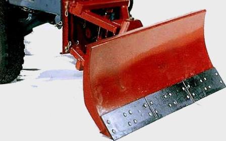 Отвал для дачного мини-трактора — незаменимое навесное оборудование!