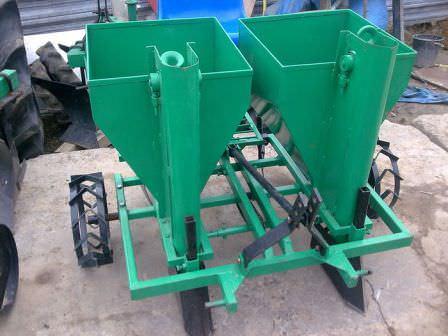 Дополнительное оборудование для мини-трактора, которое подходит для работы в огороде
