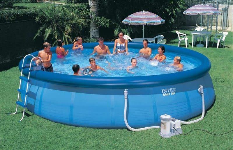 Устанавливать надувной бассейн стоит только на хорошо подготовленную площадку
