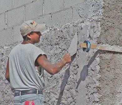 Определяем простейшие и наиболее оригинальные способы отделки стен дома