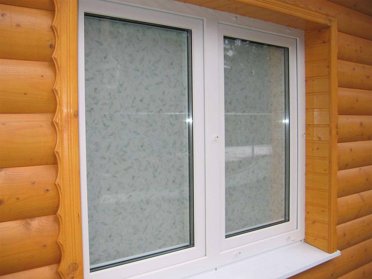 Стандартное металлопластиковое окно для установки в дачном доме