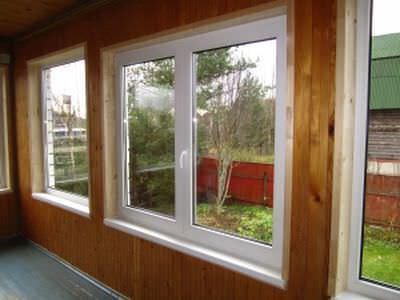Определяем вид окон для дачи, то есть, выбираем пластиковые окна или деревянные окна