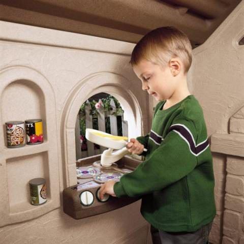 Постарайтесь выбрать такое место для установки, чтобы вам в будущем не пришлось ломать любимую игрушку ребенка
