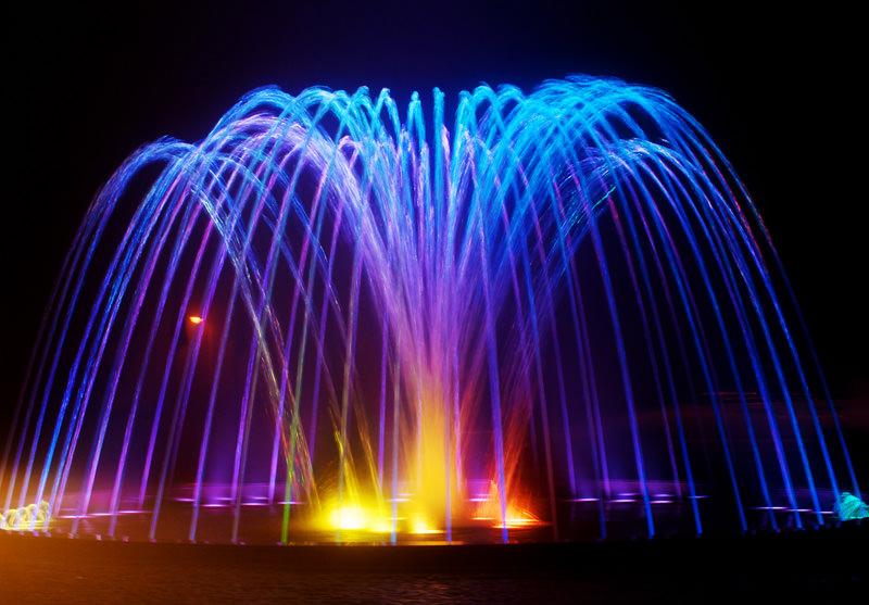 Правильно выбранное оборудование для фонтана на даче поможет обеспечить его качественную работу и оригинальный внешний вид