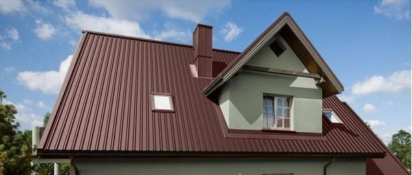 Профнастил – отличная гидроизоляция. Касается это не только горизонтальной обшивки крыш зданий, но также и фасадной облицовки