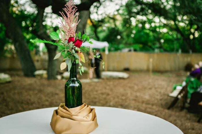 10 идей, что можно сделать из пластиковых и стеклянных пивных бутылок на даче