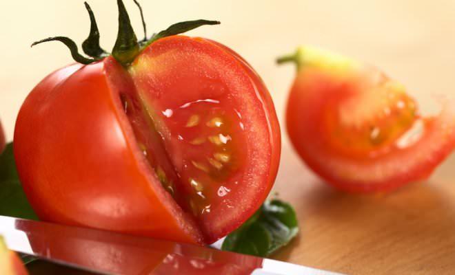 Самостоятельно собранные семена томатов выгодно отличаются дружной всхожестью
