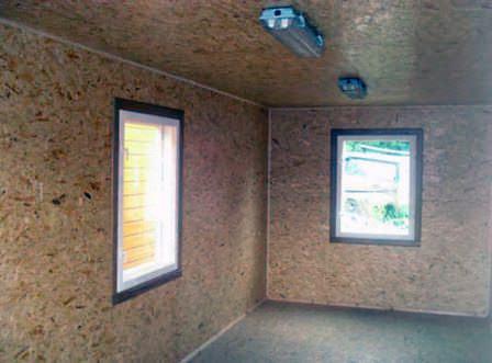 После утепления необходимо произвести внутренний ремонт стен и потолка дачного гаража