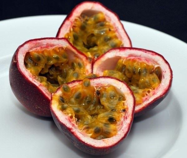 Плоды пассифлоры используют для приготовления подлив, маринадов и соусов