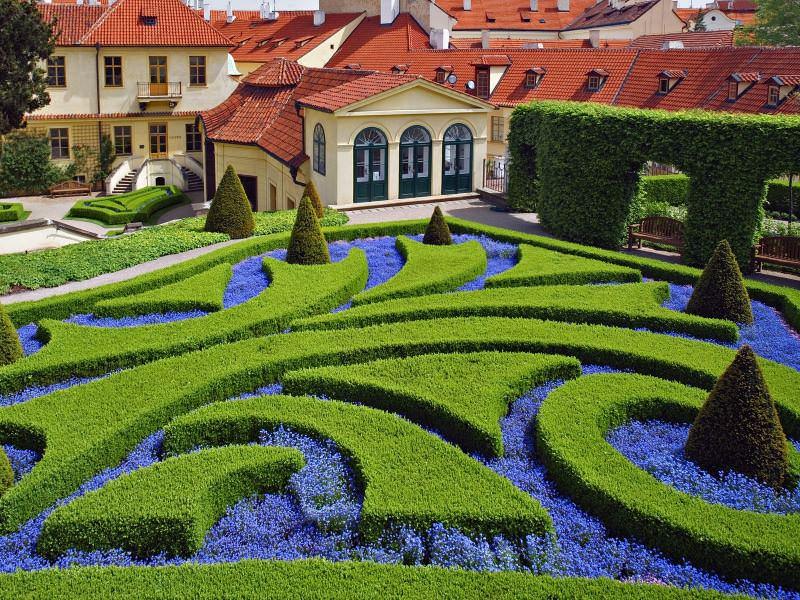 Садовый лабиринт на участке: эстетично и увлекательно