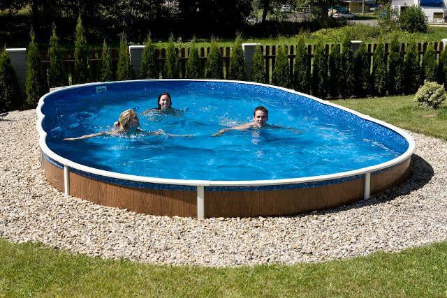 Монтаж сборного бассейна можно выполнять как на поверхности грунта, так и используя вариант заглубления