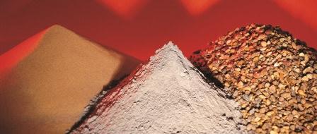 Какие сыпучие материалы можно использовать на территории дачного участка?