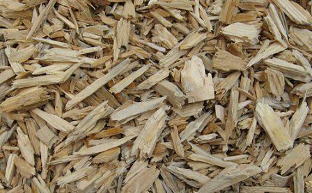 Сыпучие материалы для дачного участка: щепа, дробленка, опилки