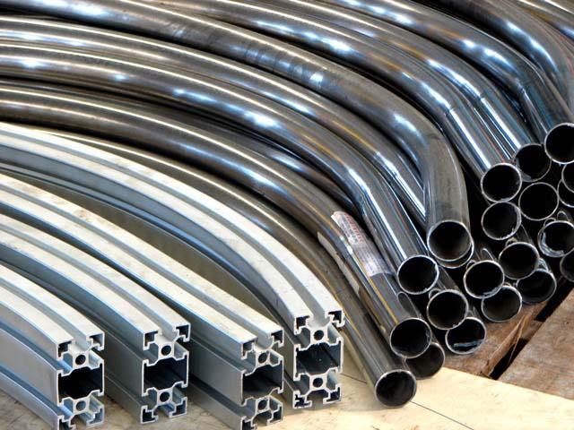 Ручные трубогибы. Применяются такие станки для изгиба небольшого диаметра, и чаще всего, для цветных металлов