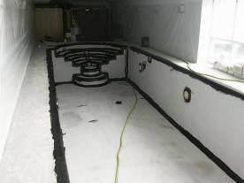 Задача внутренней гидроизоляции бассейна — защитить бетонную конструкцию от воды, но уже изнутри бассейна