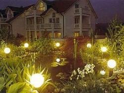 Освещение для сада можно сделать своими руками