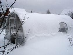Теплица-термос — наилучший вариант зимней теплицы