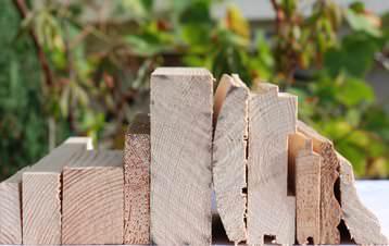 В дачном строительстве обойтись без дерева никак не получится