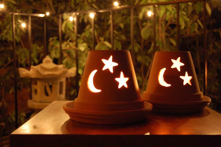 Светильник из глиняной вазы