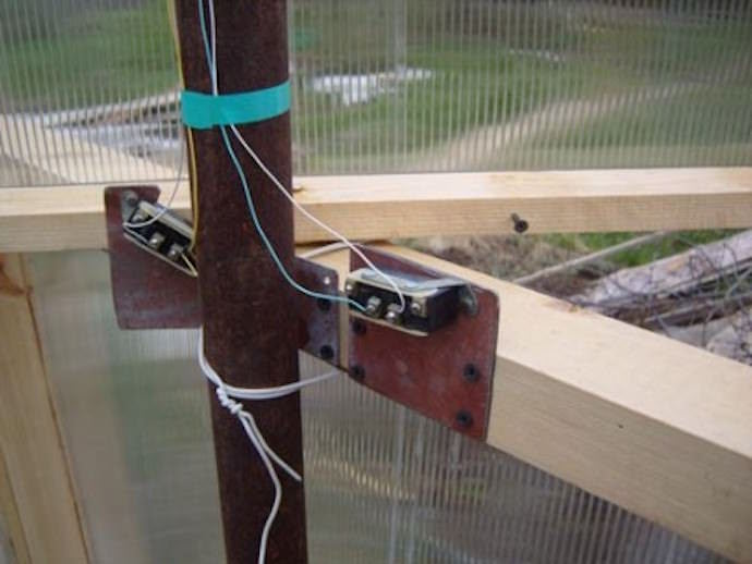 Температурные датчики — важное тепличное оборудование