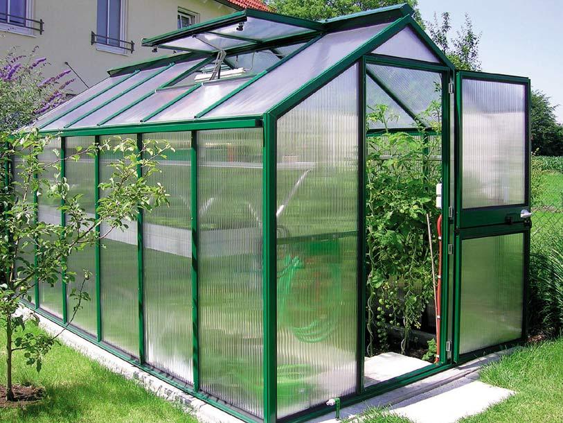 Температура воздуха и почвы в теплице очень важна для выращивания любой культуры