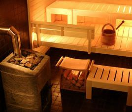 Внутренняя отделка банных помещений производится вагонкой, внешняя – любым материалом, дизайн которого наиболее вам интересен
