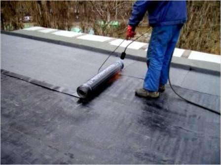 Профессиональное утепление и гидроизоляция плоской крыши дома или гаража