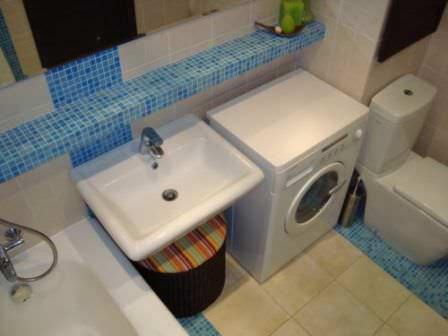 Прислушивайтесь к советам мастеров даже в том случае, если хотите сделать недорогую ванную комнату на даче