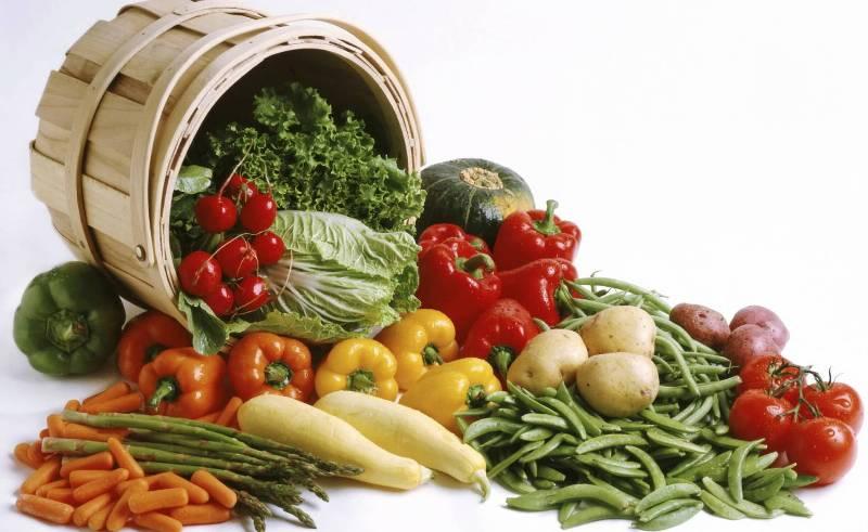 Если у вас есть свой дачный участок, растить овощи и фрукты лучше всего самостоятельно