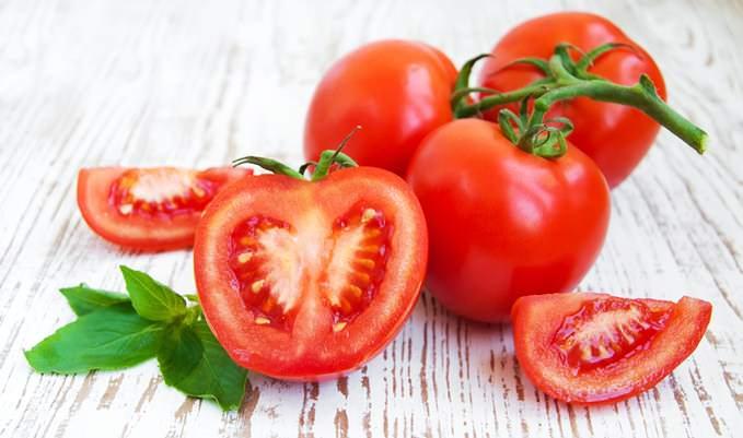 Помидор представляет собой овощ, богатый витаминами и минеральными веществами
