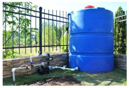 Водоснабжение дачи из специальных емкостей: удобно, но не очень дешево