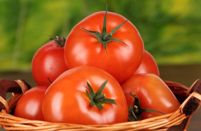 Вред от употребления помидор обусловлен риском возникновения аллергии