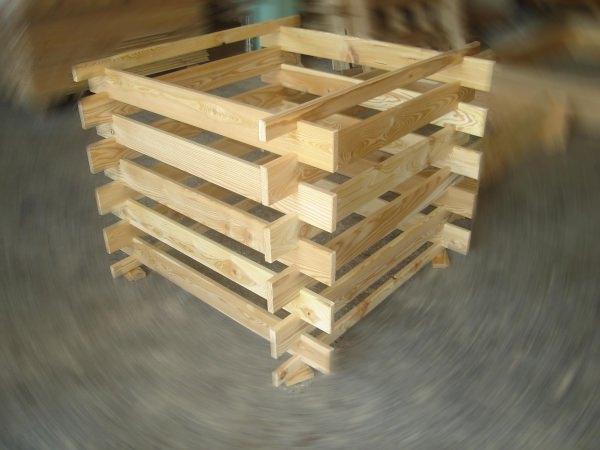 Самые распространенные дачные ящики — из дерева, удобные и вместительные