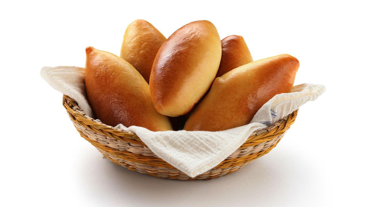 Пирожки со сливой имеют божественный аромат