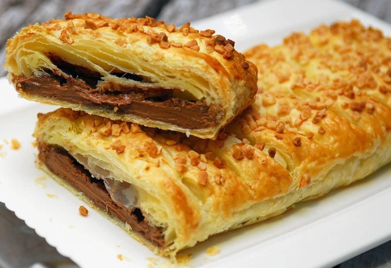 Булочки с шоколадной начинкой в духовке - рецепт пошаговый с фото