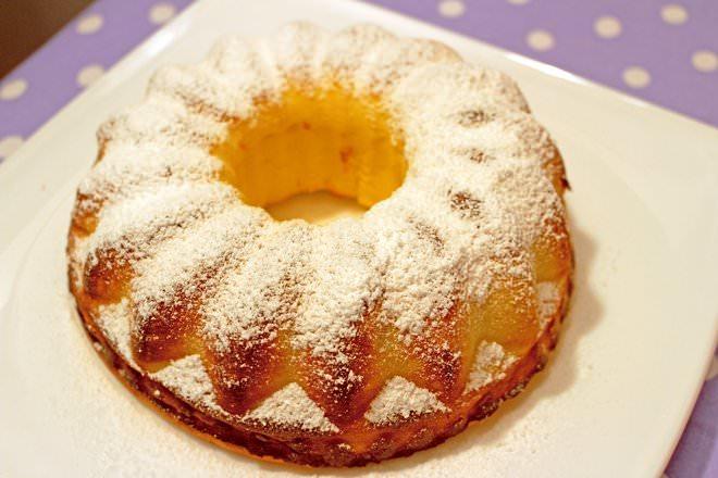 Запеканка с нежнейшим творогом – любимый десерт для завтрака во многих семьях