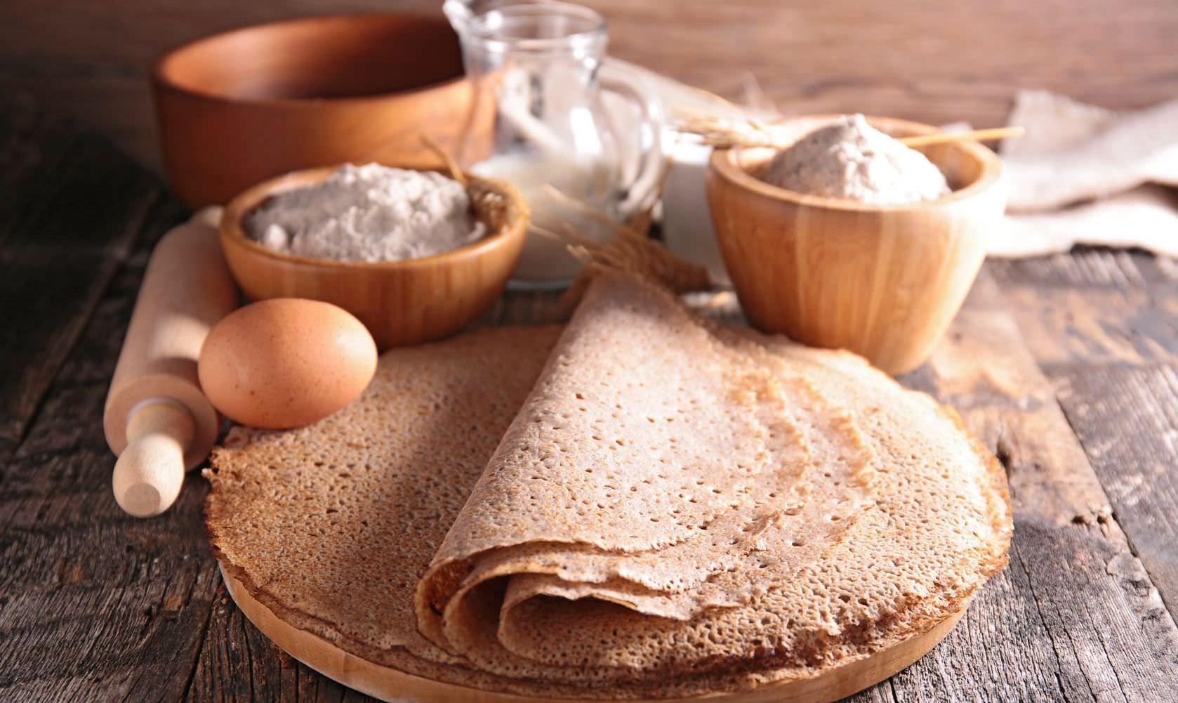 Такие блинчики издревле готовили на Руси, они имеют приятный кофейный оттенок, нежный вкус и неповторимый аромат
