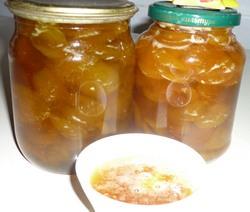 Консервированные абрикосы – отличный вариант вернуть частицу теплого лета зимой, открыв баночку