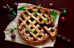 Сливовые десерты имеют не только отличный вкус и аромат, но и очень аппетитно выглядят