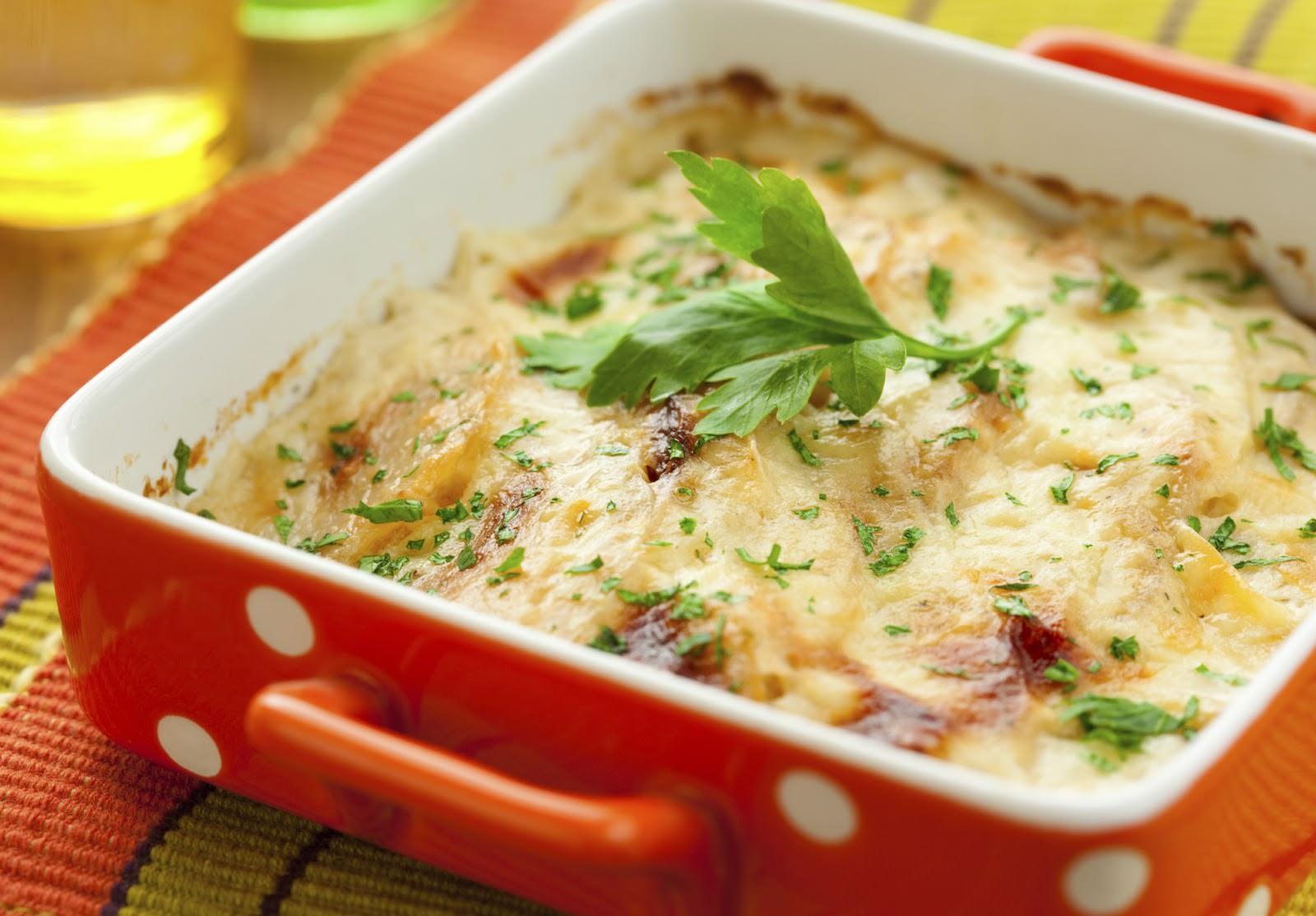 Ассорти из овощей и рисовой каши делает запеканку не только вкусной, но и питательной